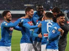 Napoli está agora em primeiro com 4 pontos de avanço da Juventus, que tem menos um jogo. EFE
