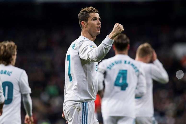 El club blanco adelanta al Barcelona en 22 puntos. AFP