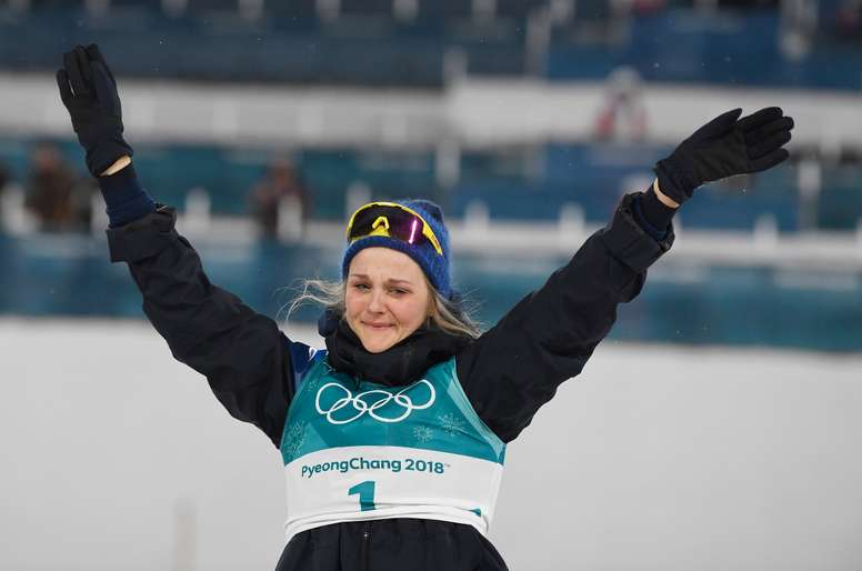 La fondista sueca Stina Nilsson ganó este martes el primer oro olímpico de su carrera al imponerse en el sprint de estilo clásico ante la noruega Maiken Caspersen Falla y la rusa Yulia Belorukova. EFE