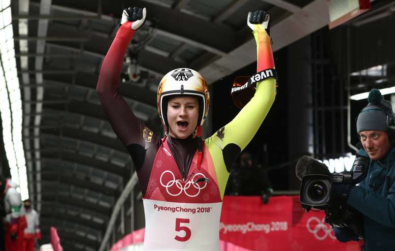 La alemana Natalie Geisenberger, que ya ganó el oro en Sochi 2014 y el bronce en Vancouver 2010, repitió este martes título olímpico con su victoria en la prueba de luge de los Juegos de PyeongChang. EFE