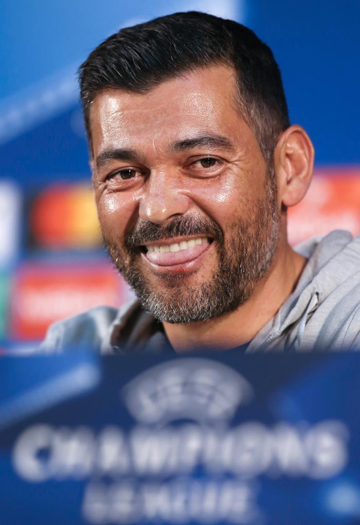 Sérgio Conceição rendido a Herrera.