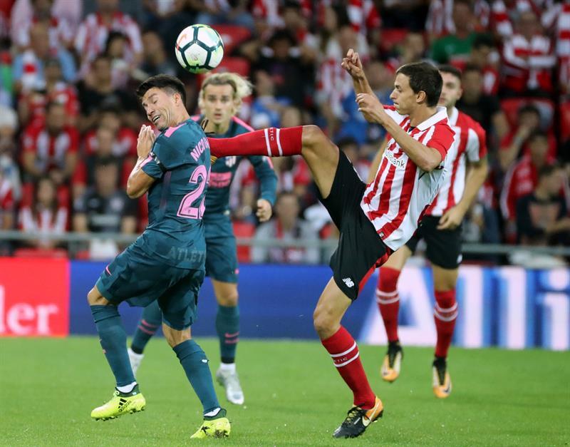 El Atlético sigue de cerca al líder y triunfó el Real