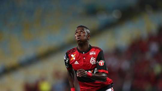 O Fla bateu o Botafogo num jogo em que Vinícius acabou expulso. EFE