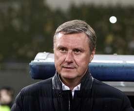 Le Dynamo de Kiev démet son entraîneur de ses fonctions. EFE