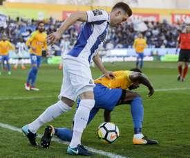 El lateral (d) jugará en su país natal. EFE