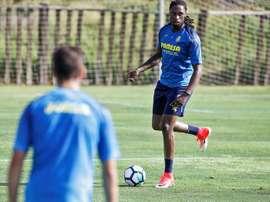 Villarreal va devoir chercher le bon défenseur. EFE