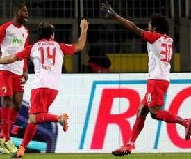 El Augsburgo se acerca a los puestos de Europa League. EFE
