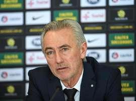 Van Marwijk mantiene la confianza en Tim Cahill. EFE