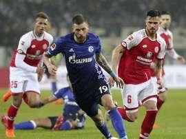 Schalke 04 e Eintracht Frankfurt lutam por lugar na final. EFE