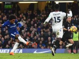 O momento o gol de Willian. AFP