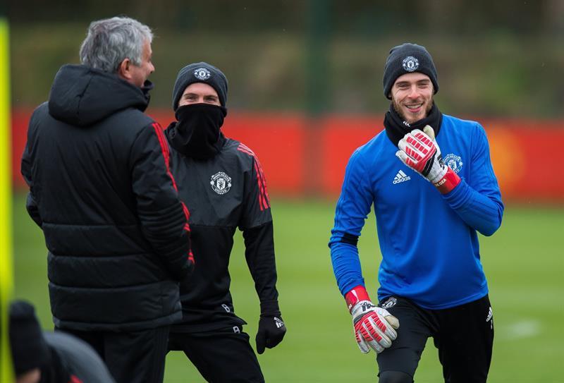Michael Owen culpa a Mourinho por el bajo nivel de Alexis