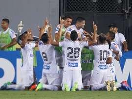 Santos se impuso al cuadro uruguayo. EFE