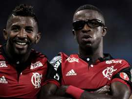 Vinicius topped off his brace with a bizarre celebration. EFE