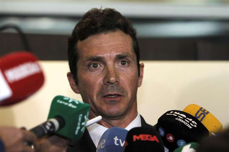 Guillermo Amor muy diplomático al valorar el choque ante el United. EFE