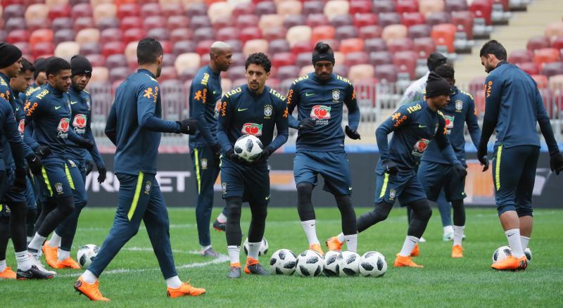 Brasil golea a Rusia en un partido amistoso — Camino al Mundial