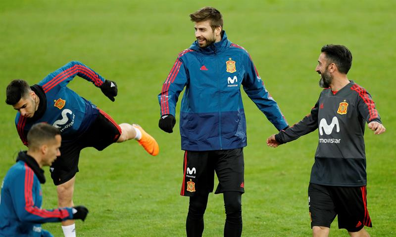 España aplastó a Argentina — Camino al mundial