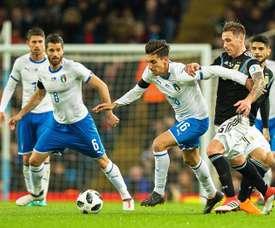 Naples choisi un défenseur pour l'avenir. EFE