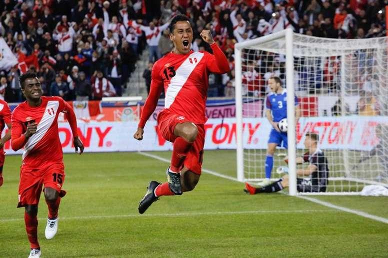 Tapia lamentó que Guerrero no pueda estar en el Mundial. AFP