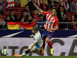 Carlos Isaac se lesionó en el duelo ante el Internacional. EFE