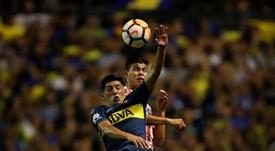 Cristian Espinoza (i) está cedido en Boca Juniors por el Villarreal. EFE