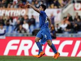Giovanni Simeone foi o homem do jogo ao marcar três golos.EFE