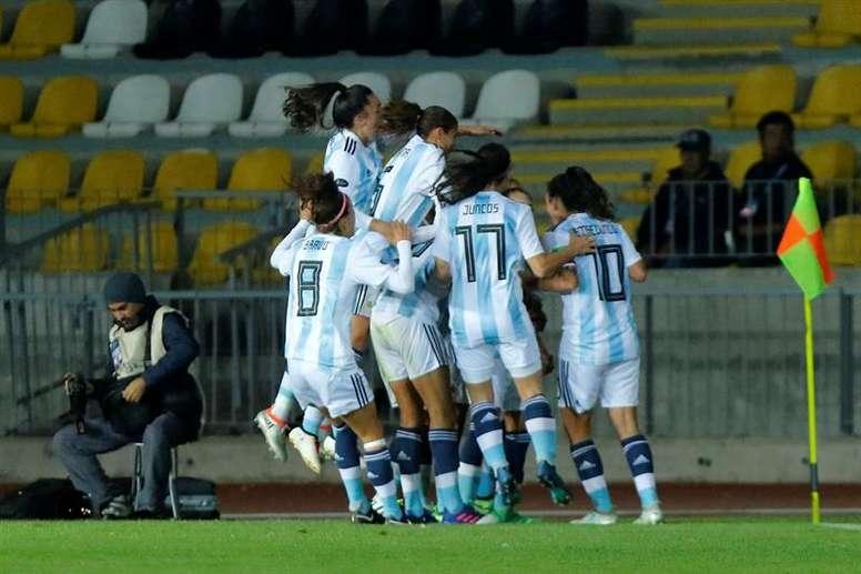 La desigualdad en el fútbol femenino sigue siendo protagonista. EFE