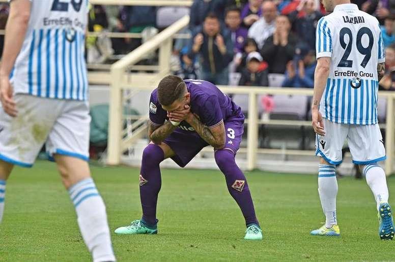 El lateral podría dejar la Fiorentina. EFE