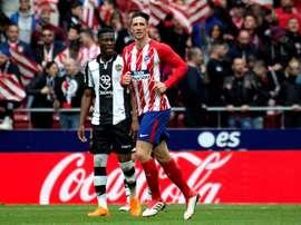 Atlético de Madrid tem mais seis pontos que o Valência, terceiro classificado. EFE