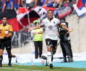 Paredes hizo el 0-2 para los chilenos. EFE