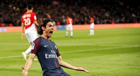 Cavani was once again instrumental for the Parisians. EFE/EPA