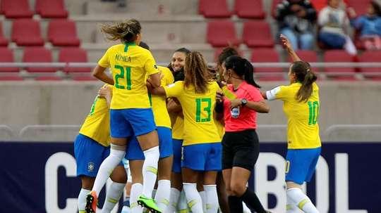 Brasil pasó por encima de Argentina. EFE