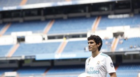 Si Vallejo se va, Lopetegui quiere que el Madrid traiga a un central. EFE