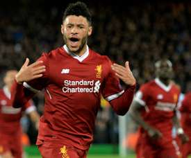 Gomez and Oxlade-Chamberlain are on their way back. EFE