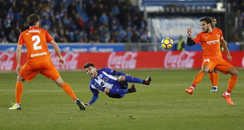 Alavés de Maripán goleó sin contratiempos al descendido Málaga de Manuel Iturra