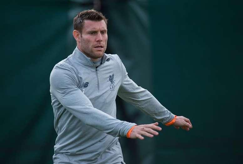 James Milner no disputó el último encuentro liguero del Liverpool. EPA/Archivo