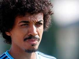 Luiz Gustavo no encaja en el estereotipo de jugador brasileño. EFE