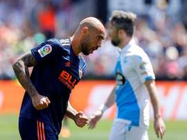 O Valencia venceu o Deportivo por 2-1. EFE