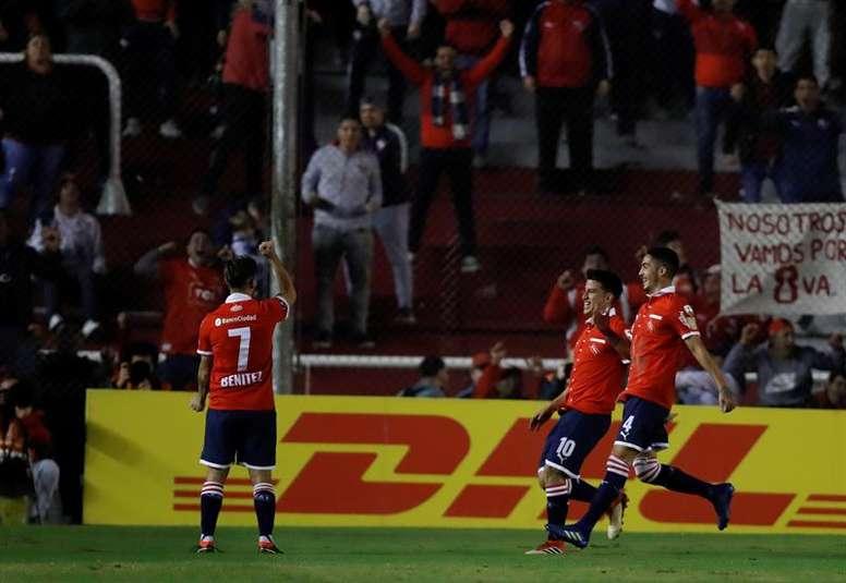 Vasco quiere a Benítez y Palmeiras, a Bustos. EFE