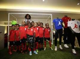 Torres y su gran gesto con los niños panameños. EFE
