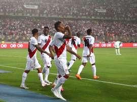 Perú jugó su último amistoso en casa. EFE