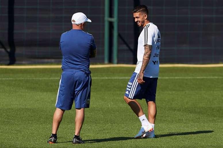 Manuel Lanzini sufrió una de las peores lesiones existentes para un futbolista. AFA