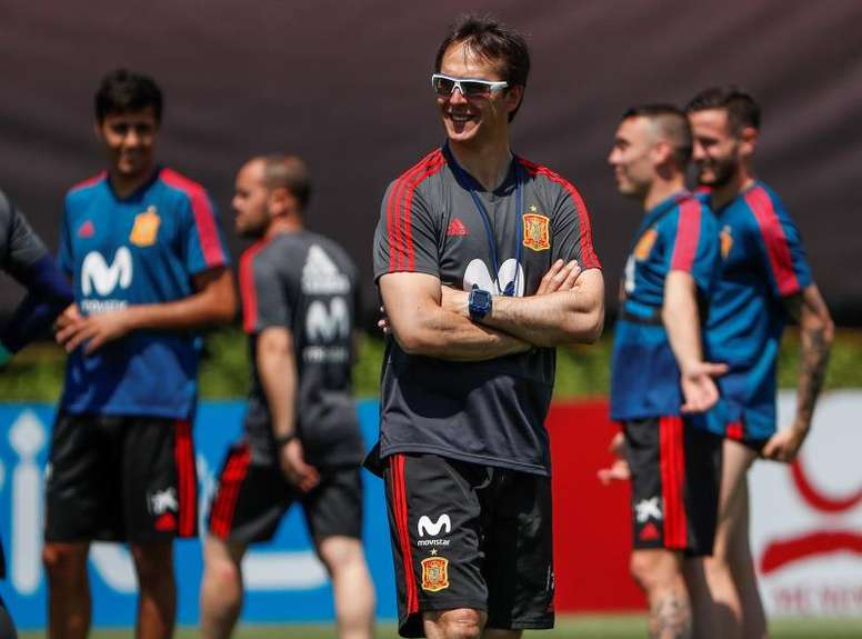 Los capitanes de España intentaron convencer a Rubiales de que no echara al técnico. EFE