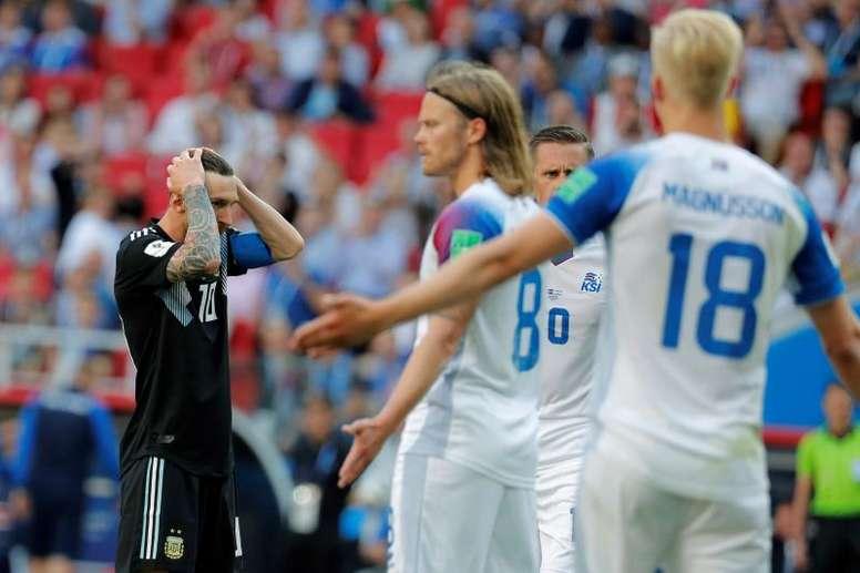 Argentina tropezó con Islandia en su debut mundialista. EFE