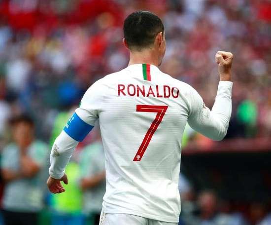 Portugal domina a Sérvia em jogo com seis gols. EFE