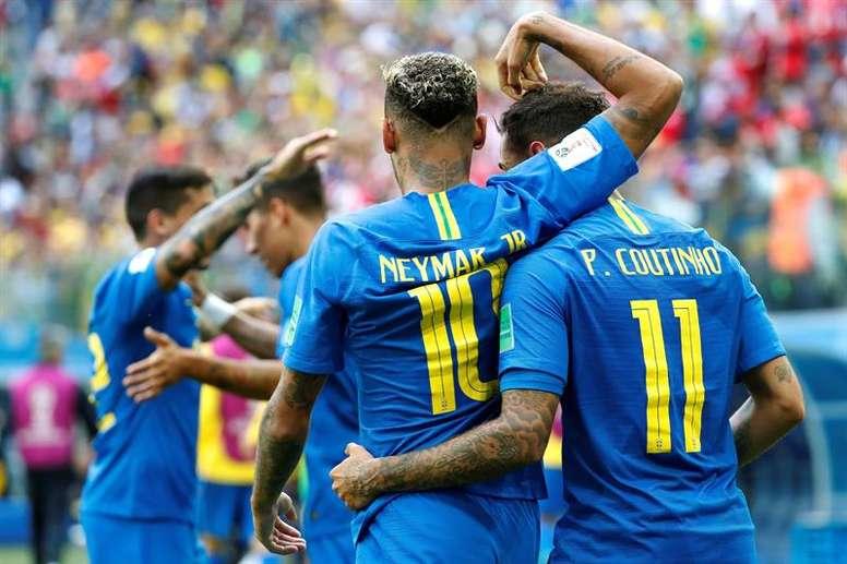 Pode haver troca entre Neymar e Coutinho. EFE