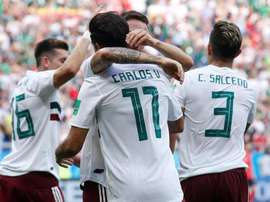 Mexico emerged victorious thanks to Vela and Hernandez. EFE