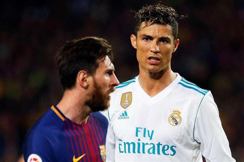Messi vs Ronaldo : Qui détient le meilleur palmarès individuel. EFE