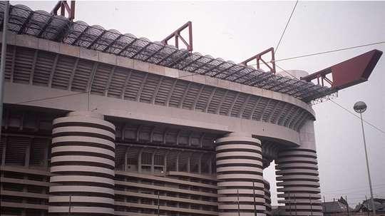 Vista parcial del estadio de fútbol de San Siro en Milán. EFE/Archivo