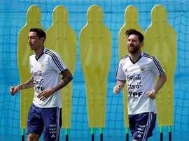 Di Maria a tenté de convaincre Messi de rejoindre le PSG. efe