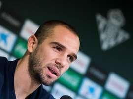 Pau Lopez pendant sa présentation au Real Betis, à Seville. EFE
